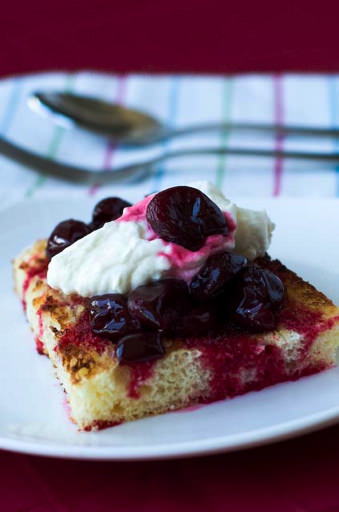 toasted pandoro with cherries and mascarpone