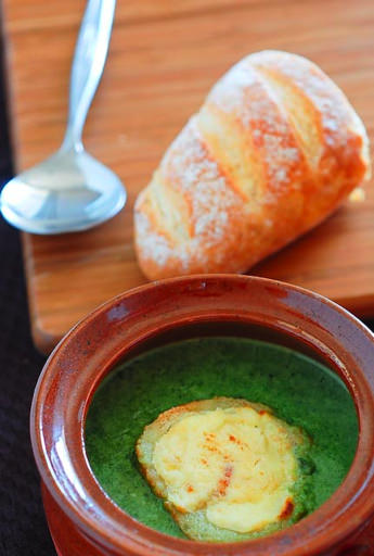 pea soup with baguette