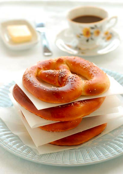 pretzels with butter served with coffee