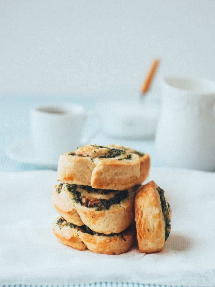savoury scrolls made with spinach and feta