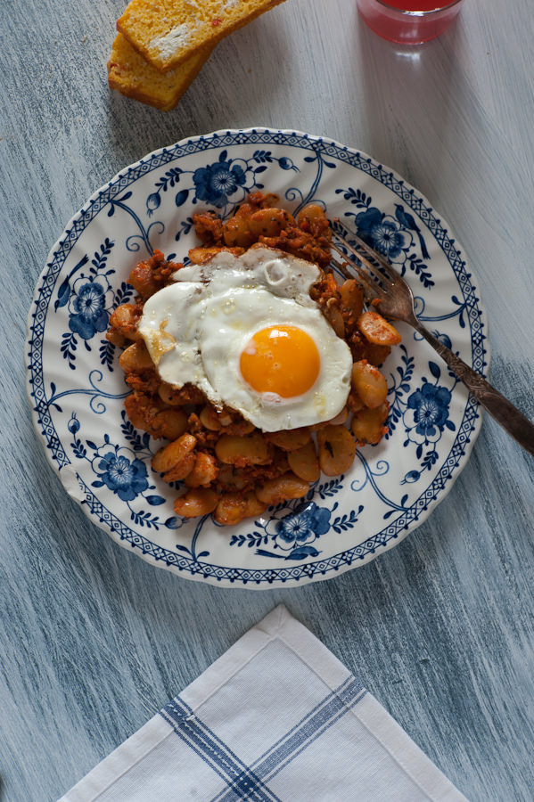 baked beans with a fried egg on top