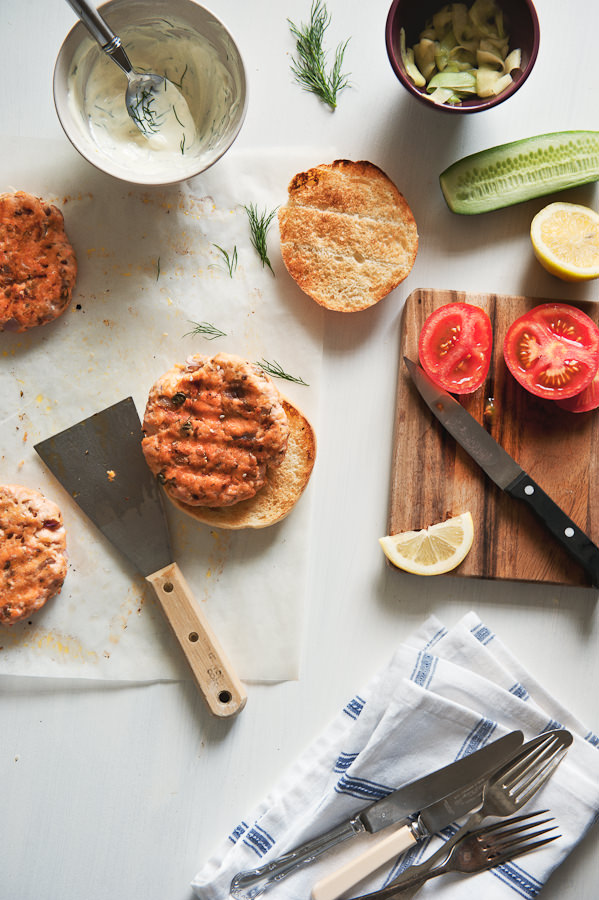 making salmon burgers