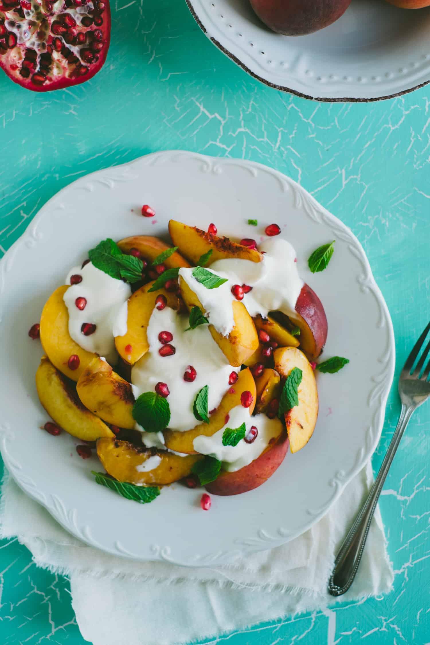 peach salad with yoghurt