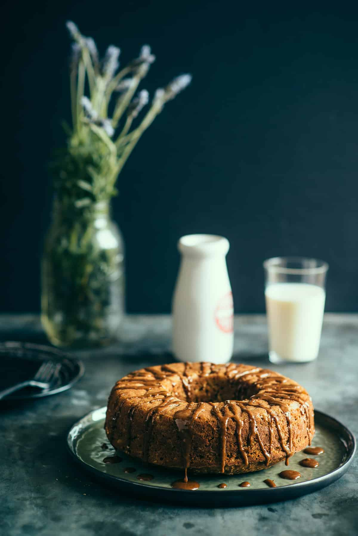 apple bundt cake with a cinnamon glaze